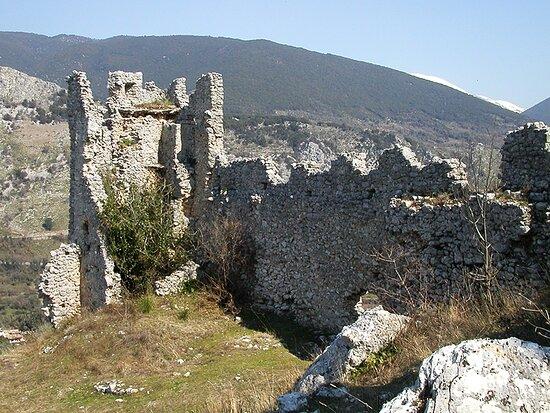 Castello Di Roccasecca Dei Volsci