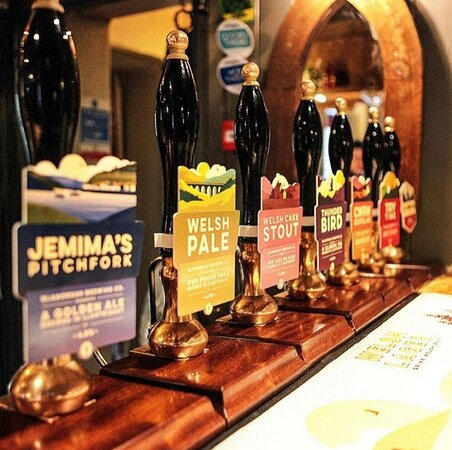 You'll always find a wide array of locally brewed beers, alongside more familiar ales and handpicked wines from vineyards near and far.