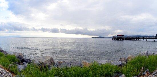 Across the street from the Bella Beach Inn is Davis Bay
