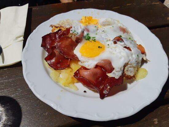 uova con patate e speck