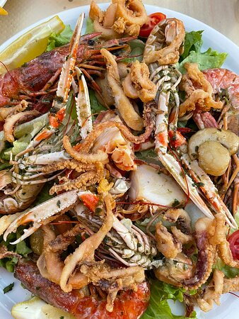 Centuri, فرنسا: Best seafood and service in Centuri!