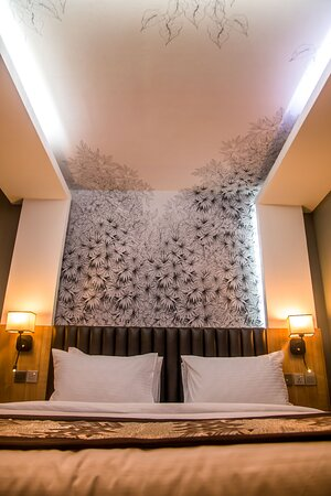 Lekki, Нигерия: Your bed can enhance your dream, visit the Tulip world.