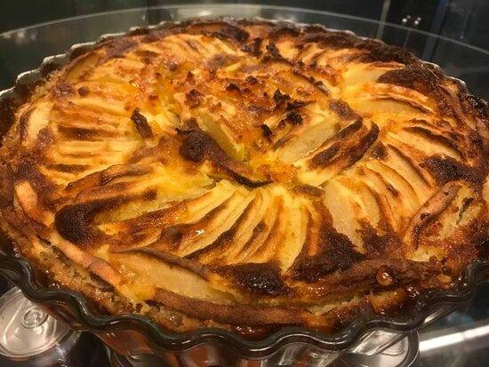 Vopnafjordur, Islândia: The famous Tarte aux Pommes, French apple pie