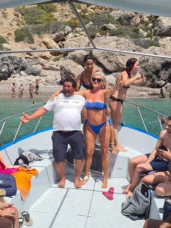 Marettimo, Itália: Questa è la bellezza del isola... Il mare... Una vacanza da rifare... Uniche note negative : ⚓Molta scortesia e scarsa  accoglienza a chi per turismo.. Porta il loro guadagno... ⚓Sporcizia ovunque... Soprattutto tante cagate ovunque di cani e gatti randagi... ⚓ Servizi del isola rimasti antichi e non migliorato grazie alla regione Sicilia... La politica è mal comune...