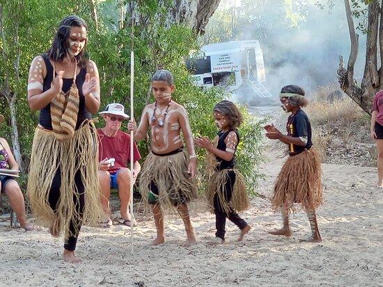 Tour de 14 días en Cape York: Welcome to country ceremony