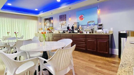 MH ParkSuites EastPlano TX Property BreakfastArea
