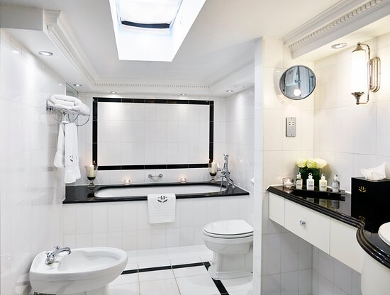 Hotel 41 Junior Suite Bathroom