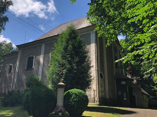 Poustevna - Kostel Panny Marie Pomocné