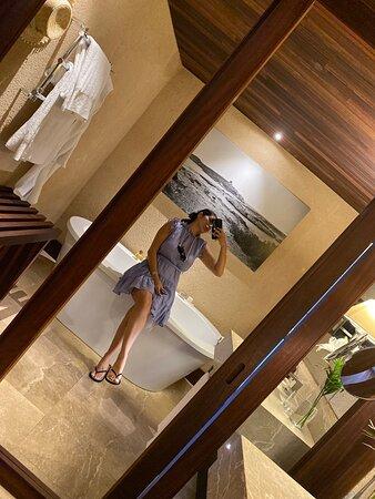 Room number 12 bathtub room