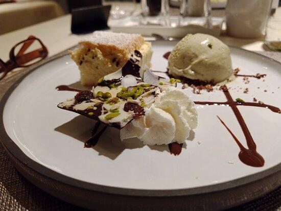 Soggiorno Welponer, 08 Ago 2021 - Composizione di dessert ''Welponer''