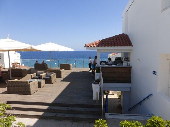 Pool / Outside Bar