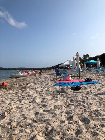 Alba sulla spiaggia di fronte al residence A Ruscana Pinarello – Foto de Plage De Pinarello, Córsega - Tripadvisor