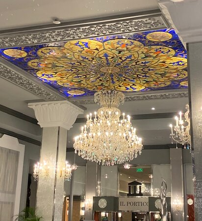 Main lobby - spacious with crystal chandeliers, stained glass ceiling and plenty of comfortable seating/lounge areas.