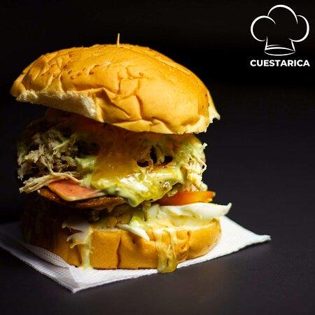 Si entre amigos quieres compartir,👫 nuestras hamburguesas 🍔🍔🍔debes pedir. ☝🏻🍔  #hamburguesascuestarica #ocaña #yummy