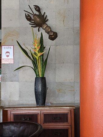 Lobby flower arrangement at Si Señor Beach Restaurant.