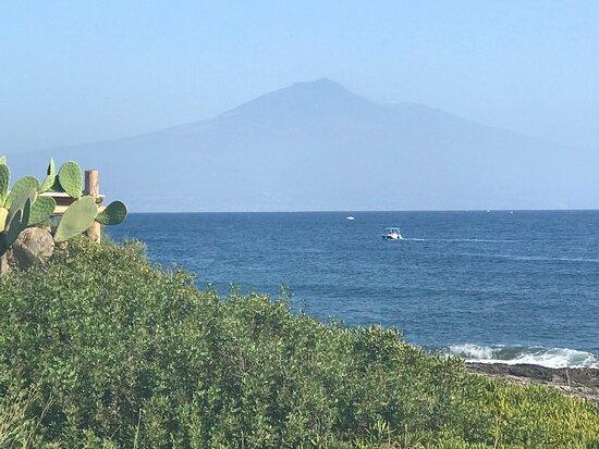 Vue sur l'Etna, piscine et vue sur la Mer