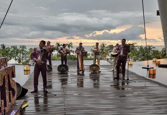 Pop-up band at resort entrance