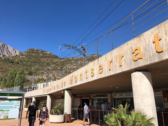 Montserrat Tour with Lunch and Gourmet Wine Tasting: Cogwheel train - super cool!