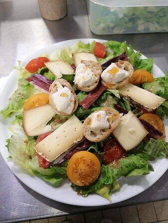 Salade trois fromages du Périgord