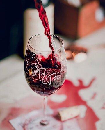Kids back to school? Parents need wine! Come let us pour you a glass 🍷  Photo via @photosbyvelyush  #newwinemenu #winelovers #redorwhite #happyhour #houstonwinebar #winetasting