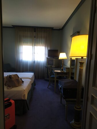 la habitación tiene un buen tamaño, como se puede ver