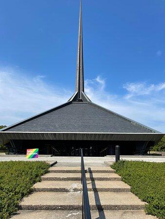 Eero Saarinen North Christian Church