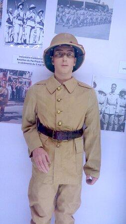 Noumea, Neukaledonien: 🔶    ARMY UNIFORMS  🔶▫ ◈  National Veterans Museum ▫ ◈  Maréchal Foch Avenue - Nouméa City ▫ ◈