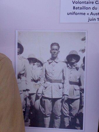 Νουμέα, Νέα Καληδονία: ⚆🔶   ARMY UNIFORMS 🔶▫ ◈  National Veterans Museum ▫ ◈  Maréchal Foch Avenue - Nouméa City ▫ ◈