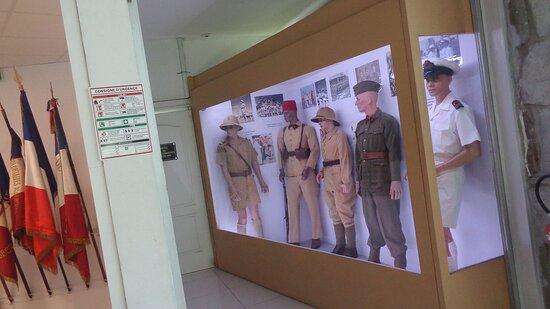Νουμέα, Νέα Καληδονία: ⚆🔹 ARMY UNIFORMS 🔹▫ ◈  National Veterans Museum ▫ ◈  Maréchal Foch Avenue - Nouméa City ▫ ◈