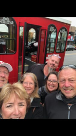 Anchorage Trolley Tour: 6 Crazy people from Southern GA and Northern FLA.