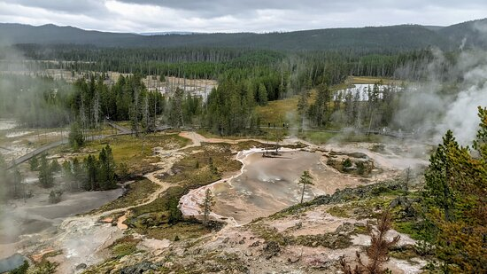 6-day Tour in Yellowstone and Grand Teton: Thermal features