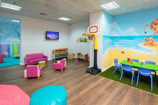 Leonardo Ashkelon Children Club
