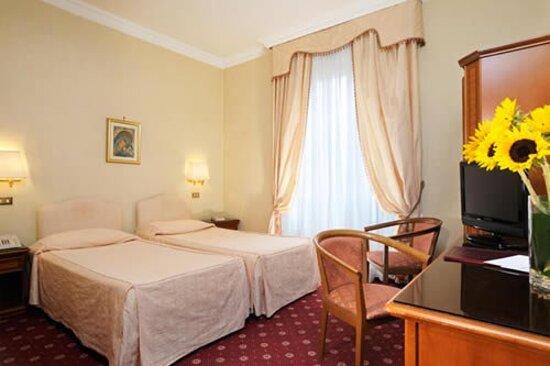 677581 Guest Room