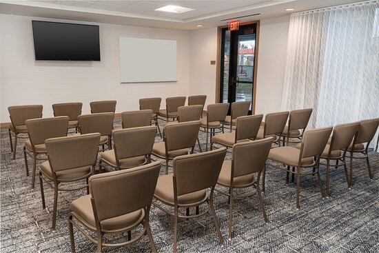 Our Temecula meeting facility is ready to host your next training.
