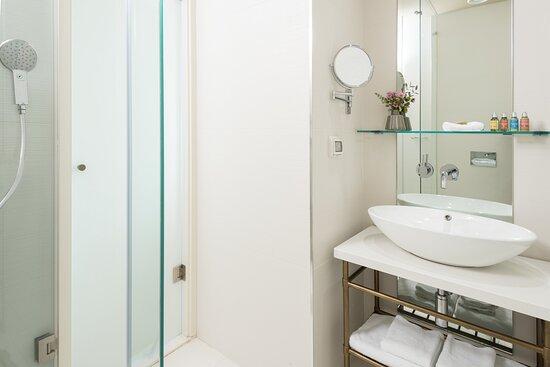 Rotschield Boutiqe Bath Dpi