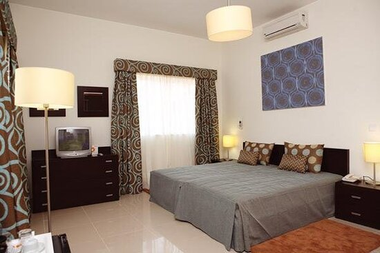 643500 Guest Room