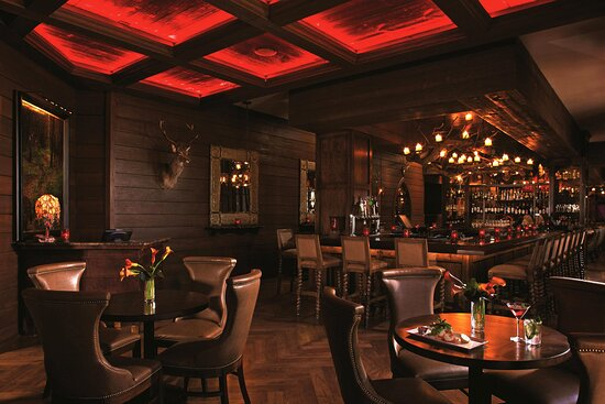 Red Stag Bar & Lounge