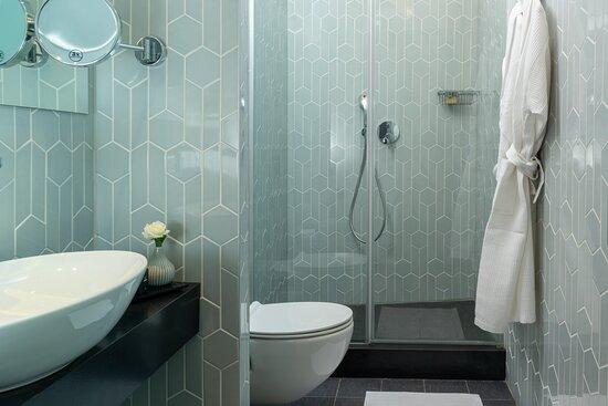 NYXHer Deluxe Room Bath Dpi
