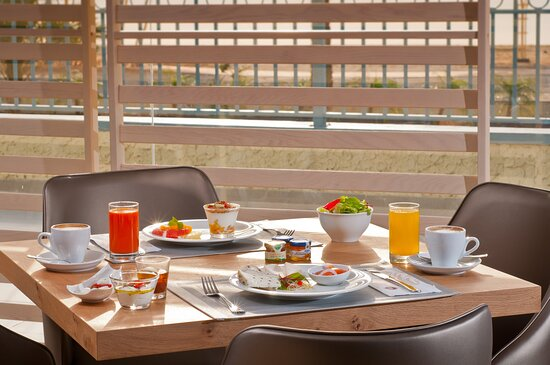 Herods Dead Sea Breakfast
