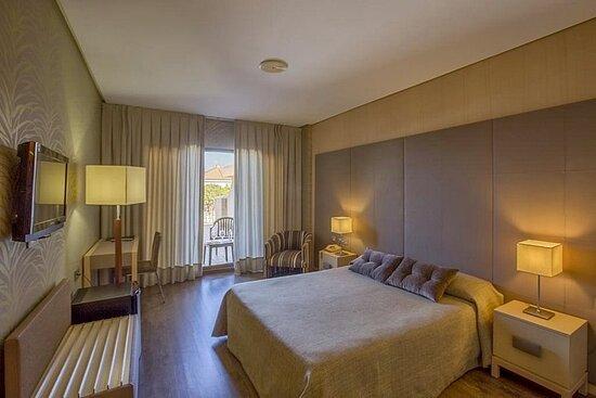 623808 Guest Room