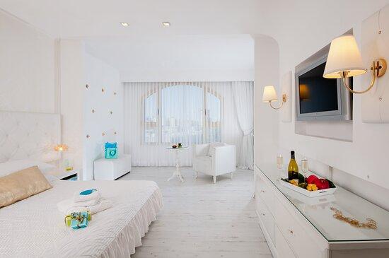 Leonardo Negev Beer Sheva Honeymoon Suite