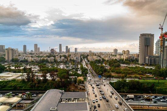 Leonardo City Tower View Dpi