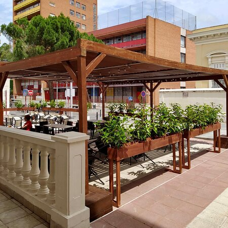 Disponemos de una preciosa terraza para los que les gusta disfrutar de las zonas exteriores.