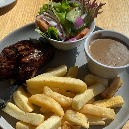250g rump steak, salad and chips - a bargain at $15.50