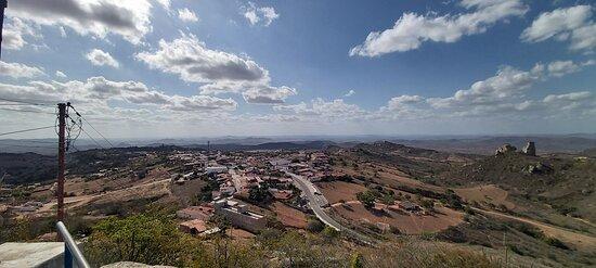 Serra de Sao Bento, RN: Vista do Cruzeiro de Monte das Gameleiras, ao fundo Serra de São Bento.