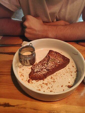 Tarta de chocolate con crema de lima