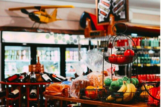 Market - frozen foods - Ảnh của Au Sable Riverview Resort, Grayling - Tripadvisor