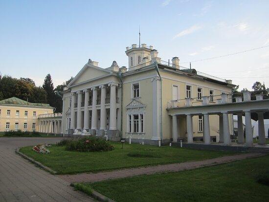 Центральный дом усадьбы