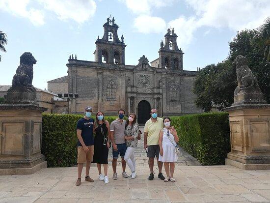 visita guiada diaria en Úbeda y Baeza, a las 11 de la mañana. www.visitasguiadasubedaybaeza.com