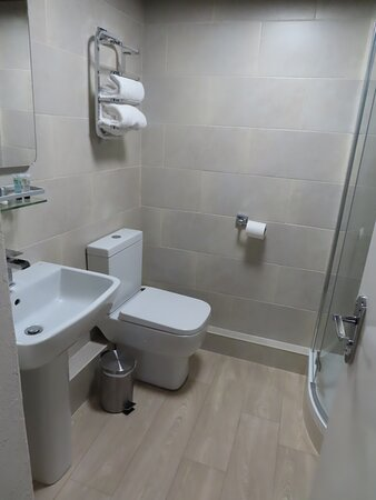 Bathroom in Rose bedroom